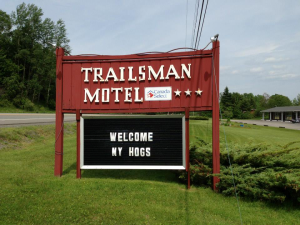 Bob Smith and crew welcomed to the Trailsmen Motel